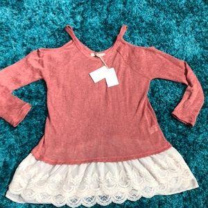 Living doll Femme Knit Top.          D